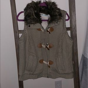 Sherpa sweater vest with Toggles